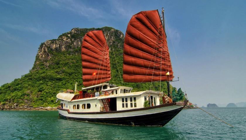 Hanoi - HaLong - Bai Dinh pagoda - Trang An - Duong Lam - Hanoi 4days 3nights